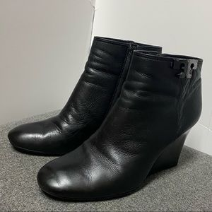 Tory Burch Black Leather Wedge Boot Ankle Bootie 9